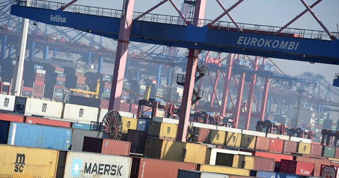 Απροσδόκητα ανθεκτικές οι γερμανικές εξαγωγές τον Ιούλιο