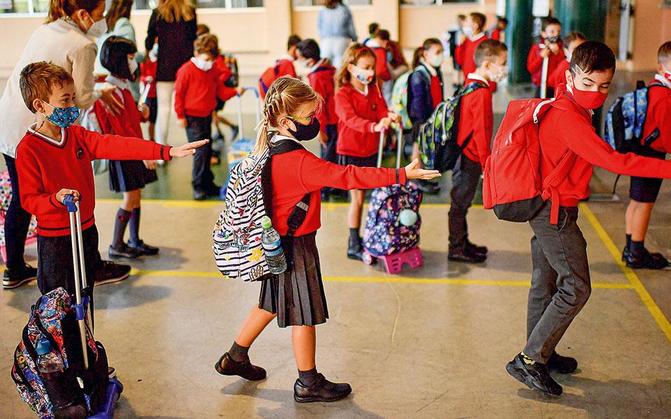 Μελέτη ΟΟΣΑ: Με κόστος το κλείσιμο των σχολείων