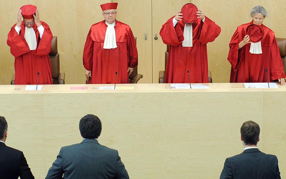 Οι Γερμανοί δικαστές και η ΕΚΤ