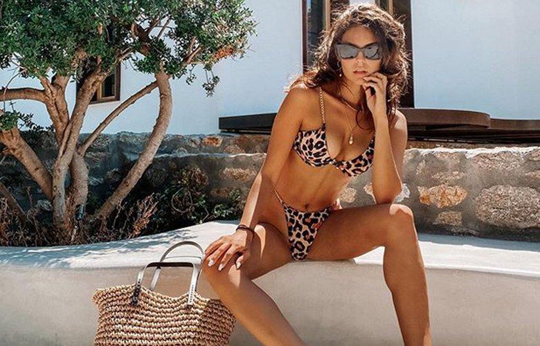 Η Βρισηίδα Ανδριώτου στις πιο σέξι πόζες – News.gr