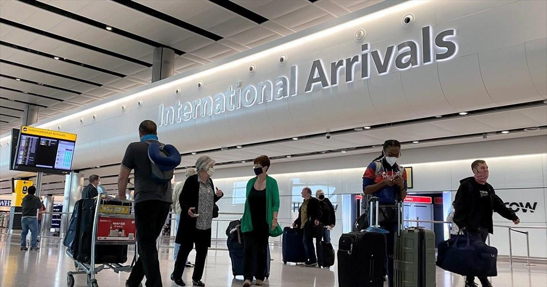 Ελλάδα και Τουρκία «παλεύουν» για τους Βρετανούς τουρίστες